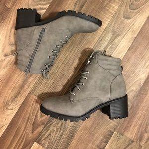 ❤️Gray combat boots